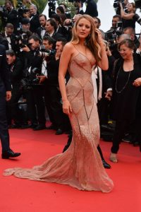 blake_lively_cannes-tapis_rouge_egerie_l_oreal_enceinte