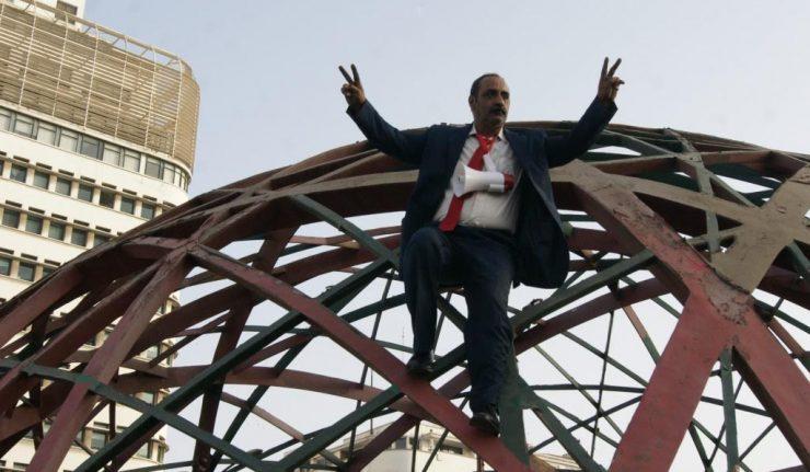 INSOLITE – Un homme menace de se suicider s'il ne rencontre pas Hammouchi (Photos)