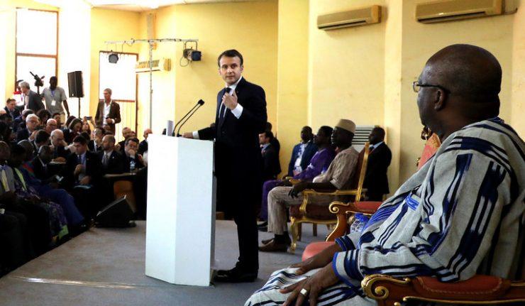 Emmanuel Macron justifie sa blague sur la clim' burkinabée