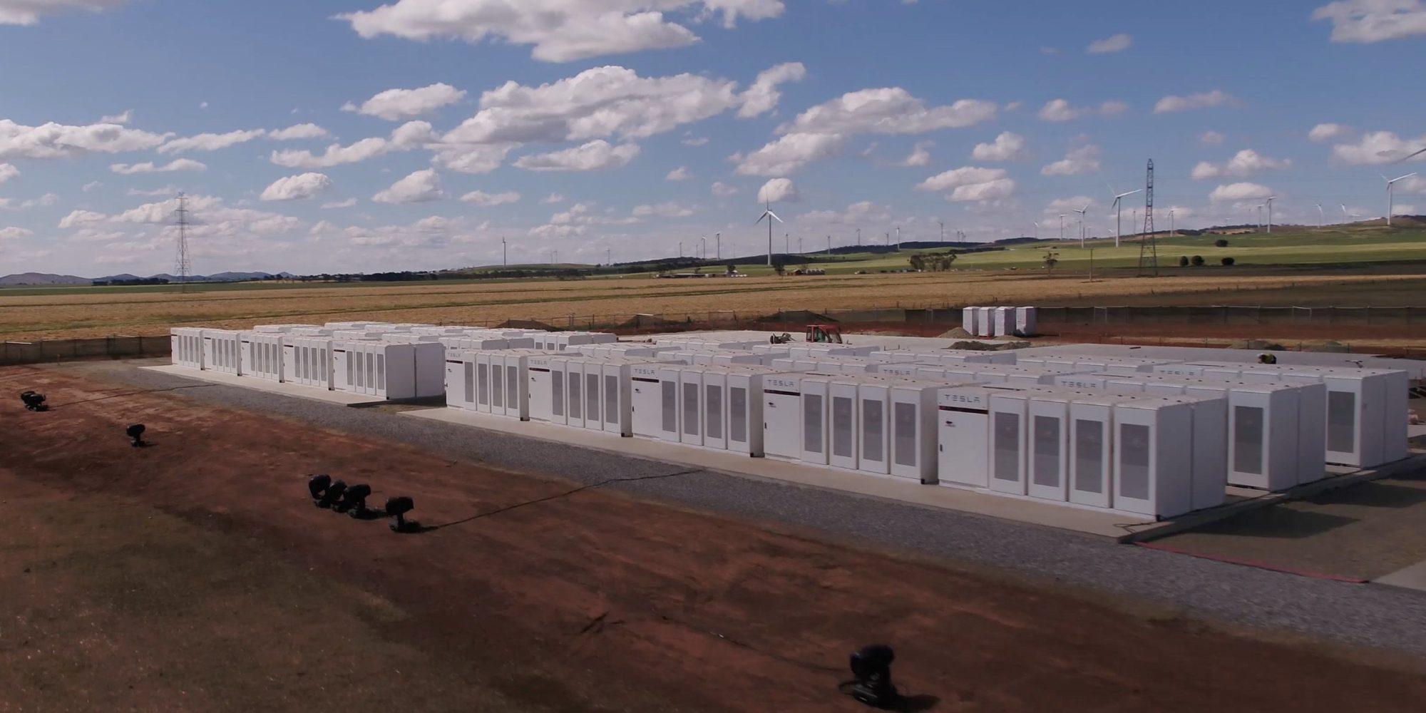 Tesla a achevé la construction de la plus grande batterie du monde
