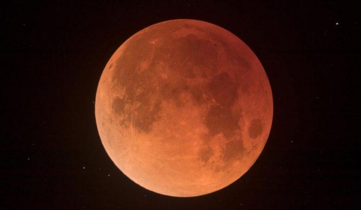 L'éclipse lunaire la plus longue du siècle a eu lieu ce vendredi